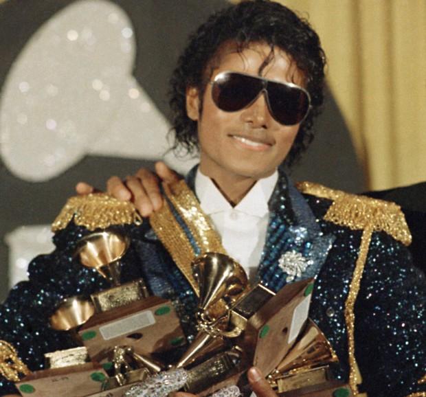michael-jackson-1984-grammys-ray-bans